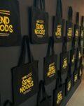 WINACTIE! Bij 1000 volgers verloten wij 1 van onze SEND NOODS tassen (t.w.v. 5€). Laat ons hieronder weten waarom jij deze tas moet winnen! ♥️ . . . . . #WinActie #Tilburg #SendNoods #XuNoodleBar #Tas #Winning